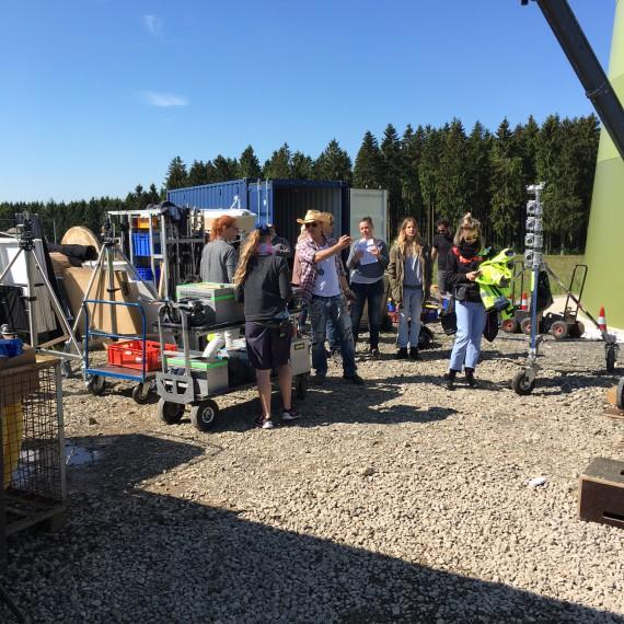 Das Set: Eine Baustelle in der Eifel.